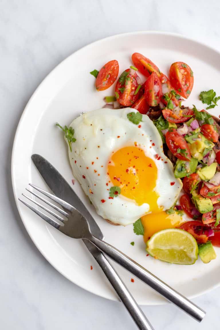 Healthy Huveos Rancheros - GF + Vegan option & Healthy! Georgie Eats
