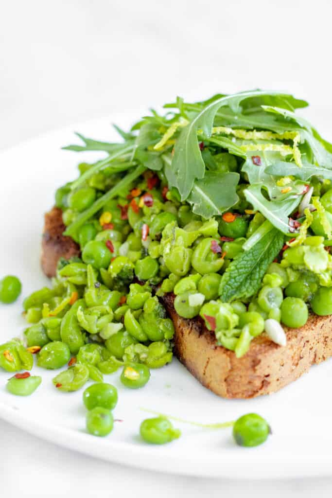 Crushed Peas on Toast with Mint & Lemon - Vegan, GF & Healthy! Georgie Eats