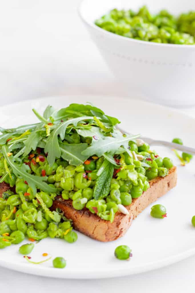 Crushed Peas on Toast with Mint & Lemon - Vegan, GF & Healthy! Georgie Eats