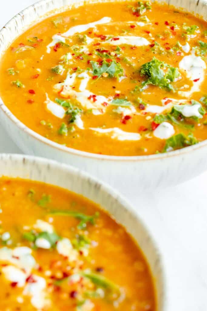Turmeric Lentil Soup with Courgette & Kale - Vegan, GF & Healthy! Georgie Eats