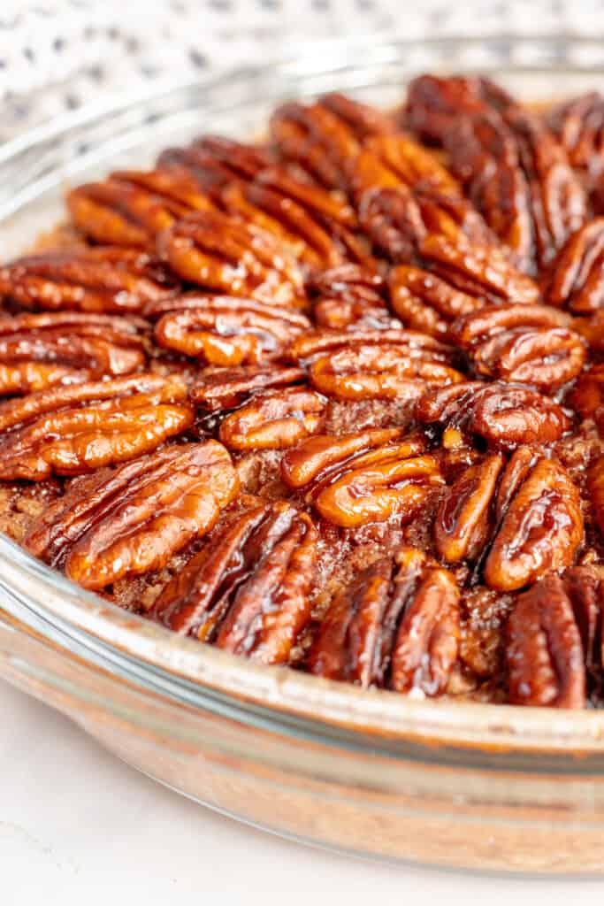 Pecan Pie Baked Oats - Healthy, GF & Vegan Option! Georgie Eats.