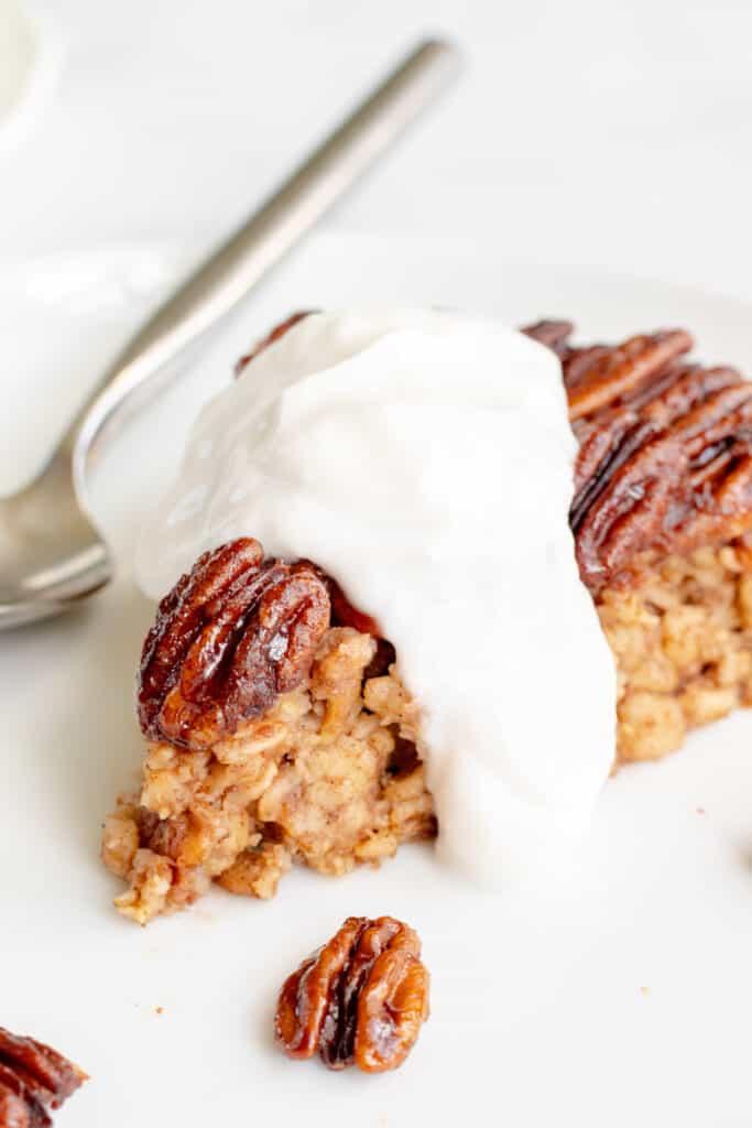 Pecan Pie Baked Oatmeal - Healthy, GF & Vegan Option! Georgie Eats.