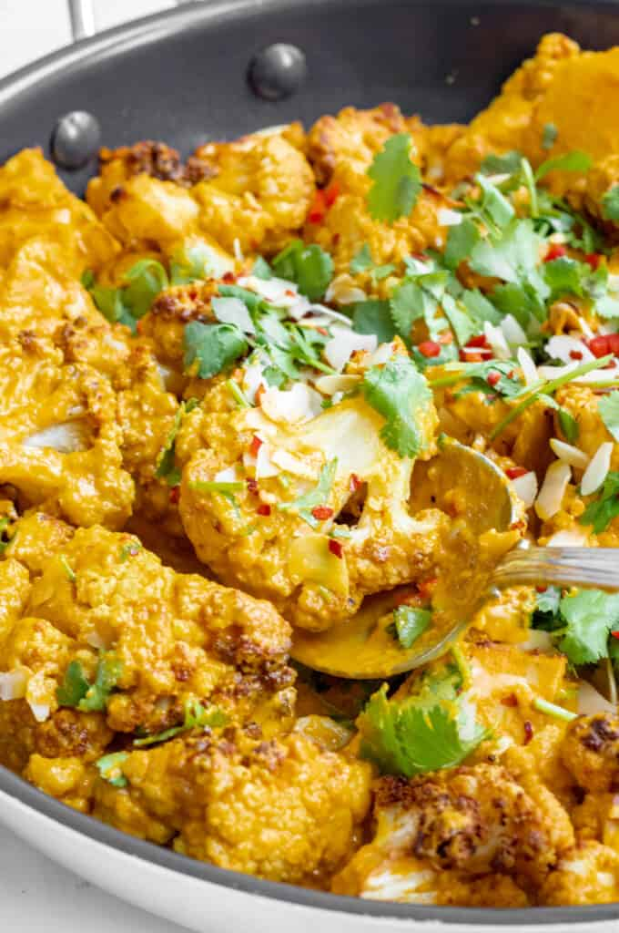Roasted Cauliflower Curry - Vegan, GF & Healthy! Georgie Eats.