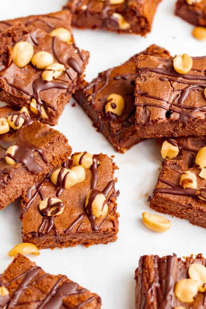 Peanut Butter Chickpea Chocolate Brownies - Vegan, GF & Healthy! Georgie Eats.