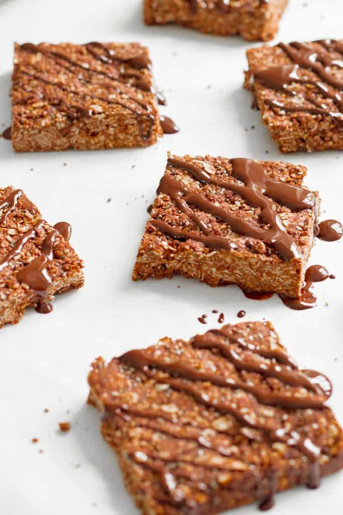 6 Ingredient Chocolate Flapjacks - Vegan, GF & Healthy! Georgie Eats.