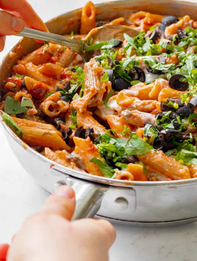 One-Pot Sun-Dried Tomato Pasta - Vegan, GF & Healthy! Georgie Eats