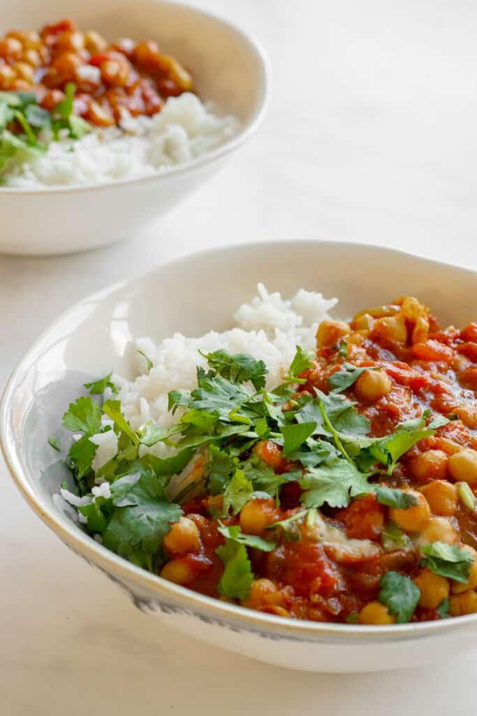 Quick Chickpea Curry - Vegan, GF & Healthy! Georgie Eats.