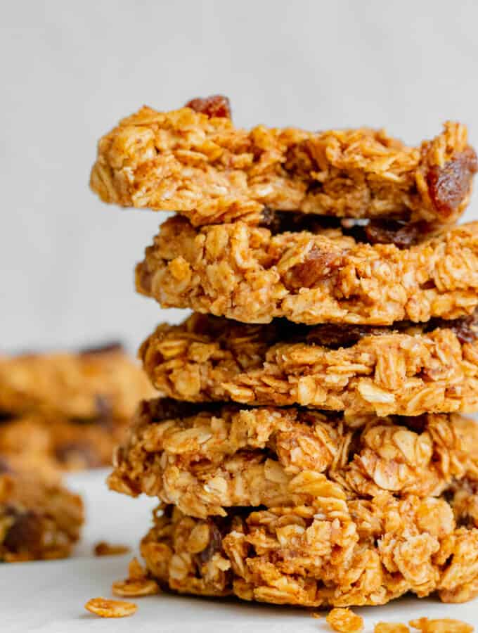 Oatmeal Raisin No-Bake Cookies - Vegan, GF & Healthy! Georgie Eats.