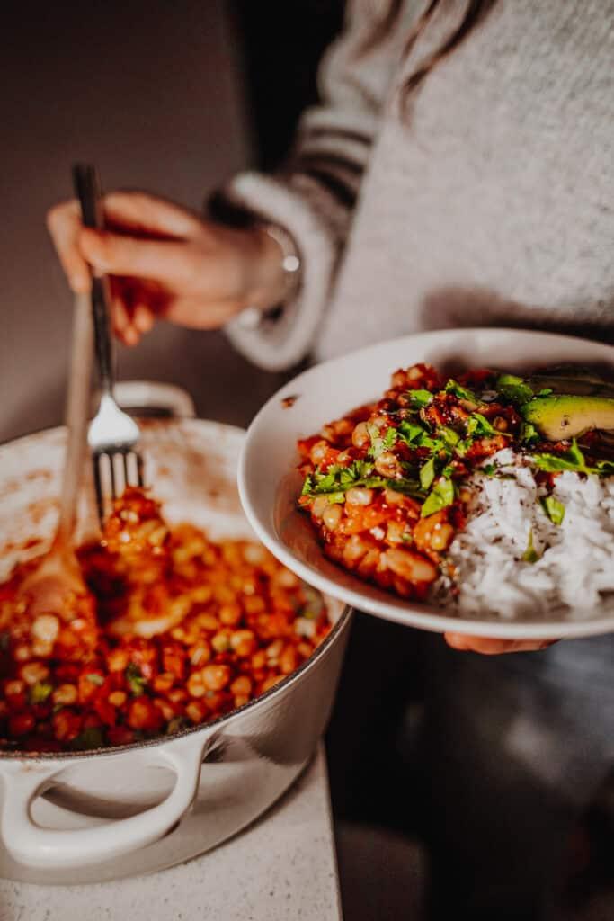Serving up the Mixed-Bean Veggie Chilli - Vegan, GF & Healthy! Georgie Eats