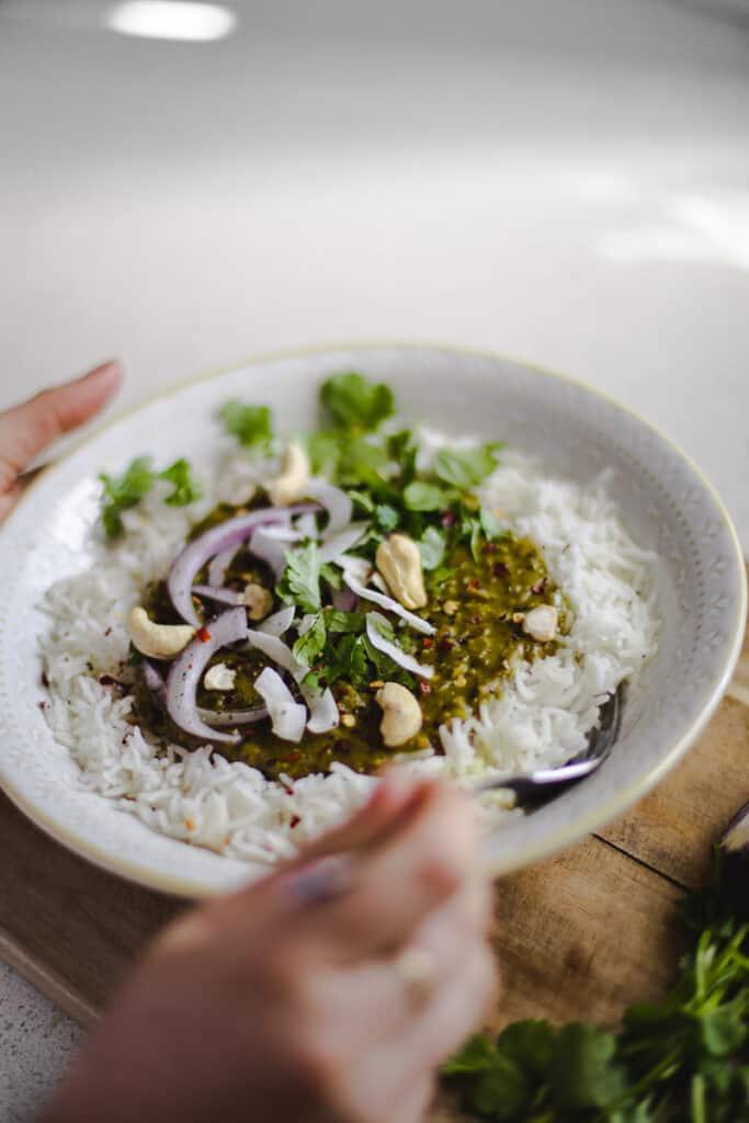 Coconut, Spinach & Red Lentil Dhal - Vegan, GF & Healthy! Georgie Eats